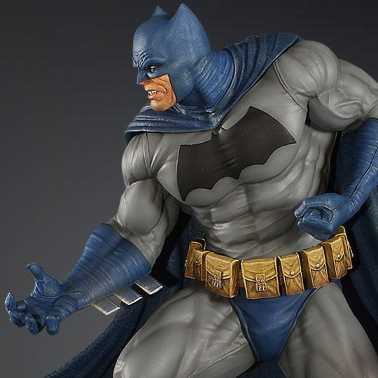 DC Comics Maquette Batman (Dark Knight) Statue 32 cm